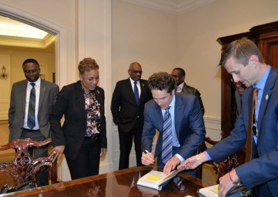 Joel-Olsteen-book-signing